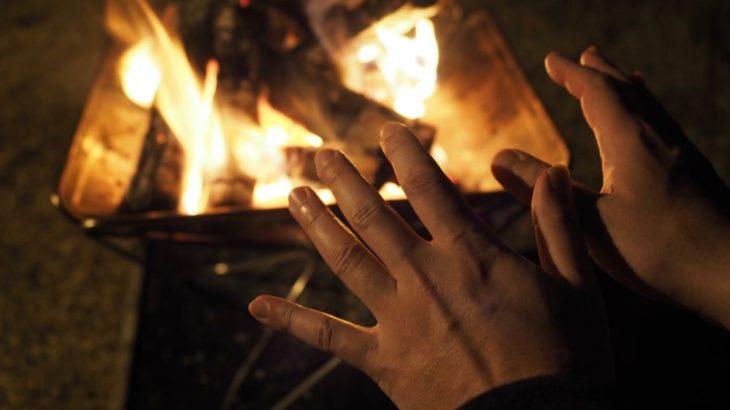 薪ストーブは高い…リーズナブルにキャンプで寒さをしのぐ方法