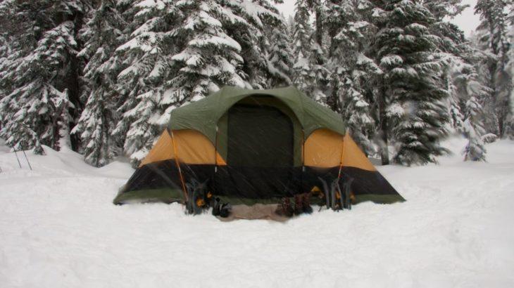 【全国各地】道中の雪対策と人気の冬キャンプ場まとめ