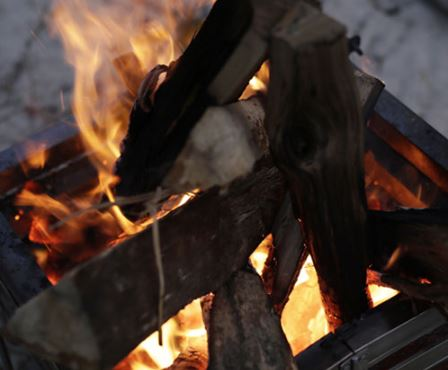 【新作情報あり】焚き火にこだわるキャンプ!この焚き火台がおすすめ
