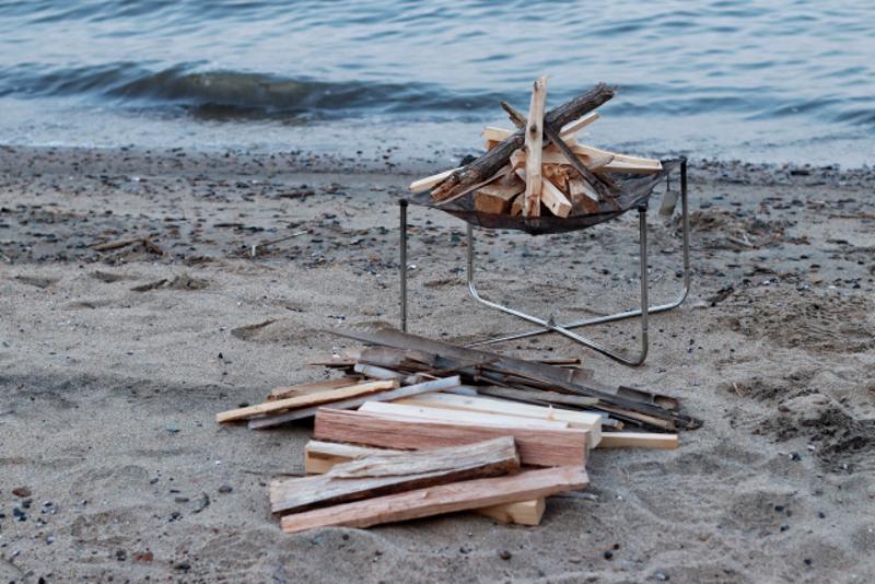 海辺や海岸で野営を楽しむ
