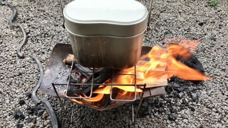 焚き火でチャレンジ!飯ごうで手ごねパンを焼いてみたら〇〇だった!