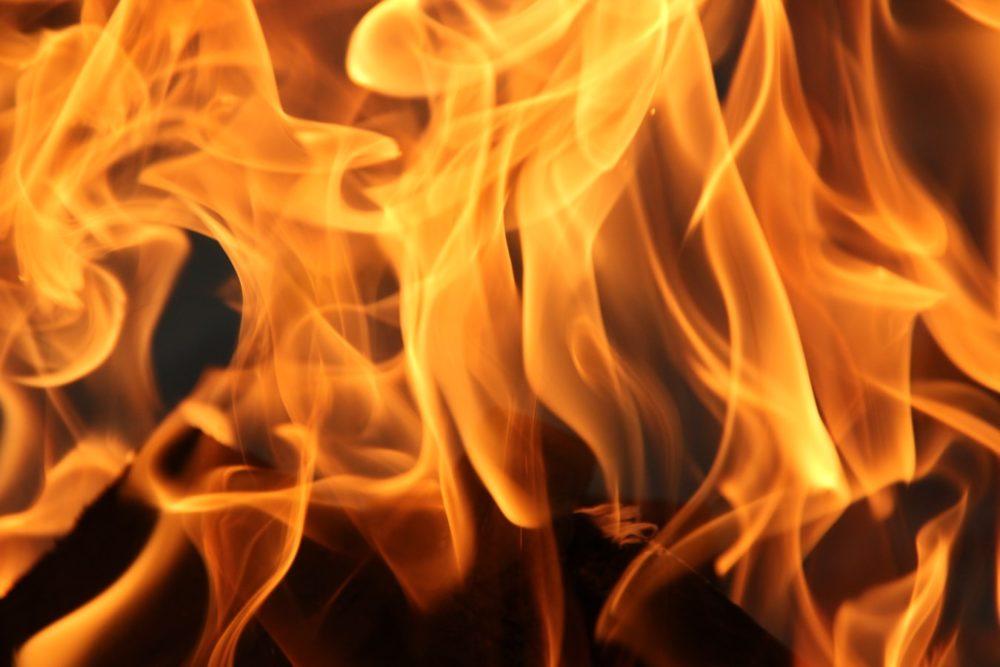 焚き火、初心者、消火
