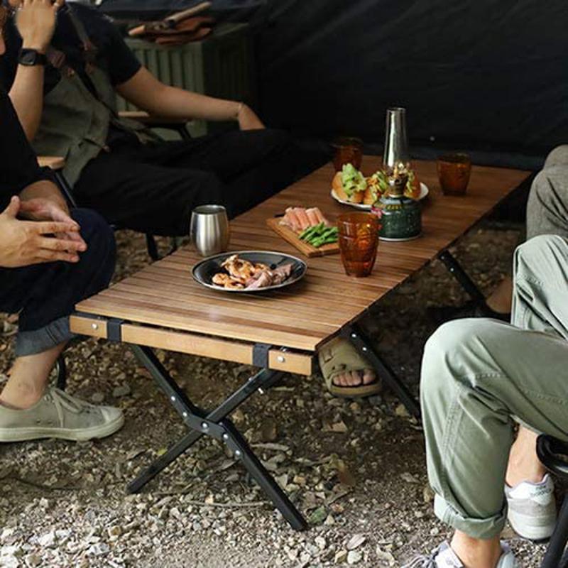 クイックキャンプのロールローテーブル